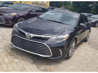 2014 Toyota Avalon Black