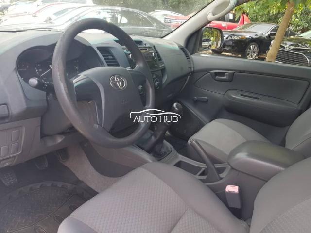 2013 Toyota Hilux White