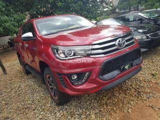 2013 Toyota Hilux Red