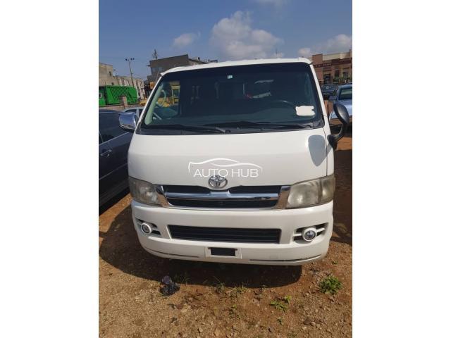2007 Toyota Haice White