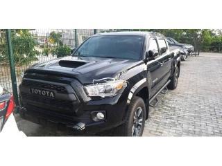 2018 Toyota Tacoma Black