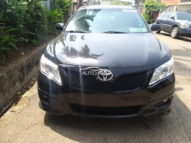 2011 Toyota Camry SE Black