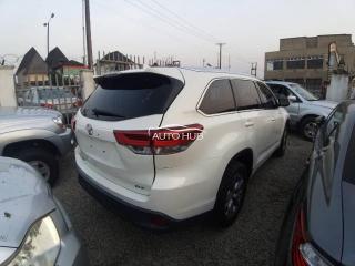 2015 Toyota Highlander XLE White