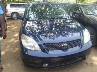 2004 Toyota Matrix Blue