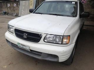 2000 Honda Passport White