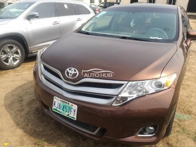 2014 Toyota Venza Brown