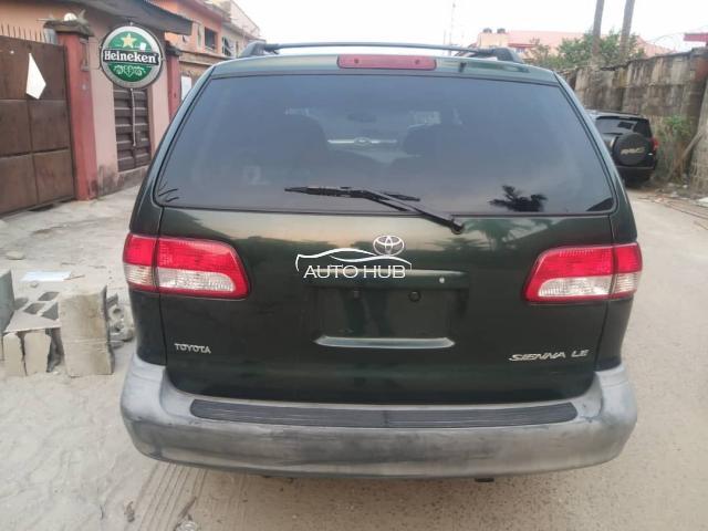 2003 Toyota Sienna Green