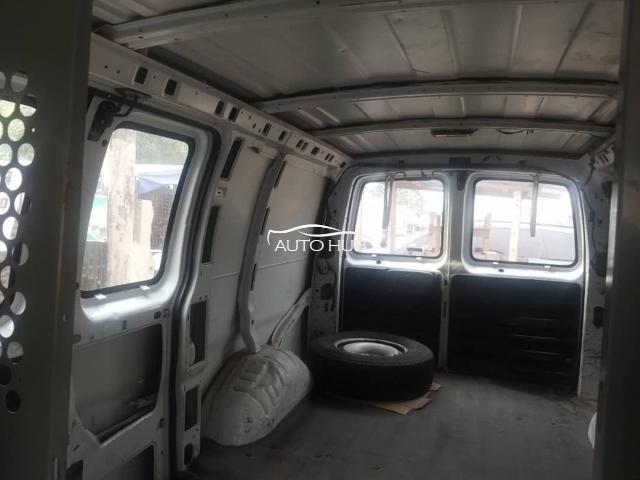 2000 Chevrolet Express Bus White