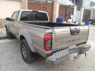 2004 Nissan Frontier Brown