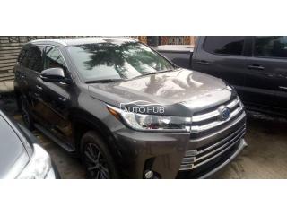 2018 Toyota Highlander Hybrid Grey
