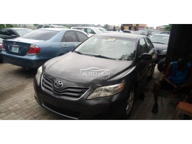 2011 Toyota Camry LE Grey