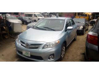 2012 Toyota corolla LE Blue