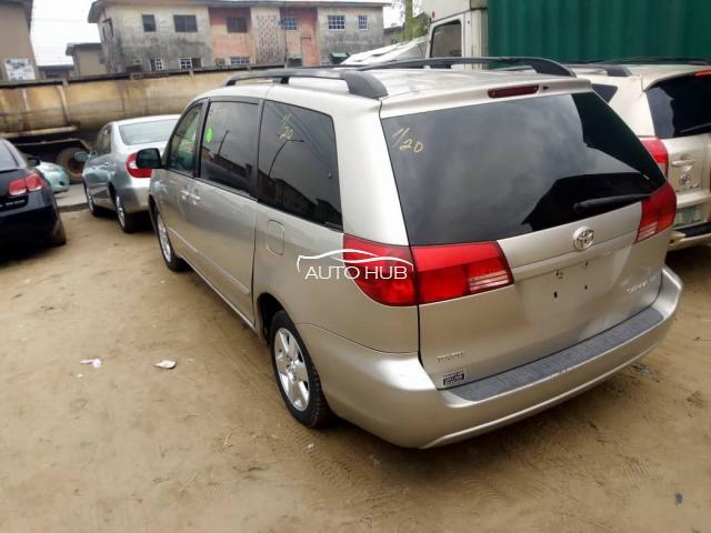 2005 Toyota Sienna LE Silver