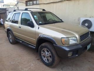 2000 Nissan Pathfinder Gold