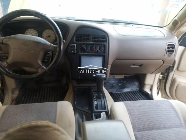 2000 Nissan Pathfinder Gold