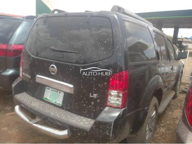 2005 Nissan Pathfinder Black