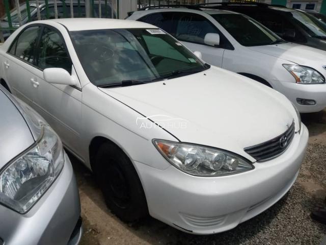 2006 Toyota Camry White