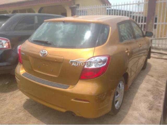 2009 Toyota Matrix Gold