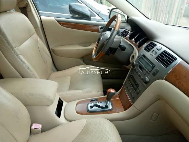 2005 Lexus RX330 Gold
