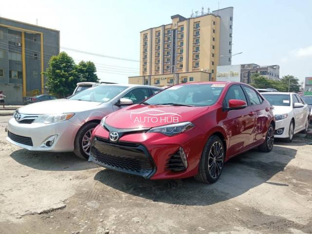 2014 Toyota corolla Red