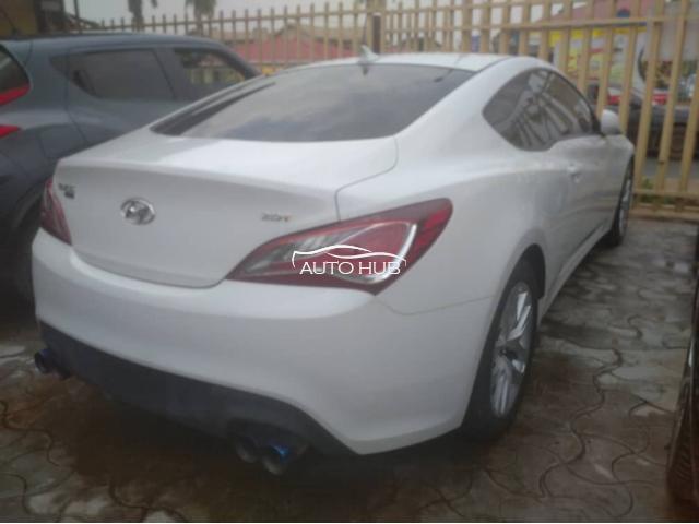 2014 Hyundai Genesis White