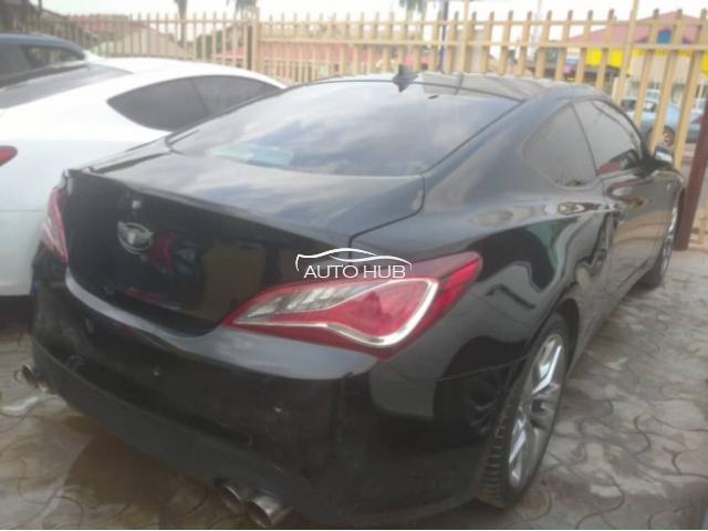 2014 Hyundai Genesis Black