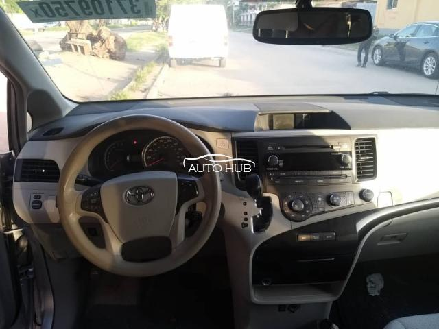 2012 Toyota Sienna Silver
