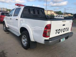 2013 Registered Hilux white