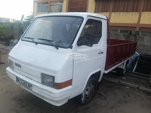 1996 Nissan1820 White