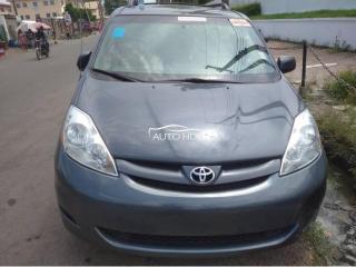 2010 Toyota Sienna Limited Grey