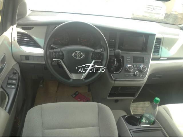 2015 Toyota Sienna Silver