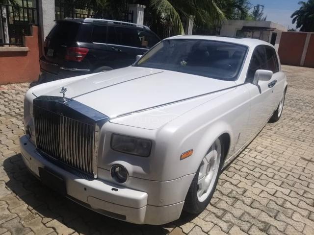 2005 Rolls Royce Wraith White
