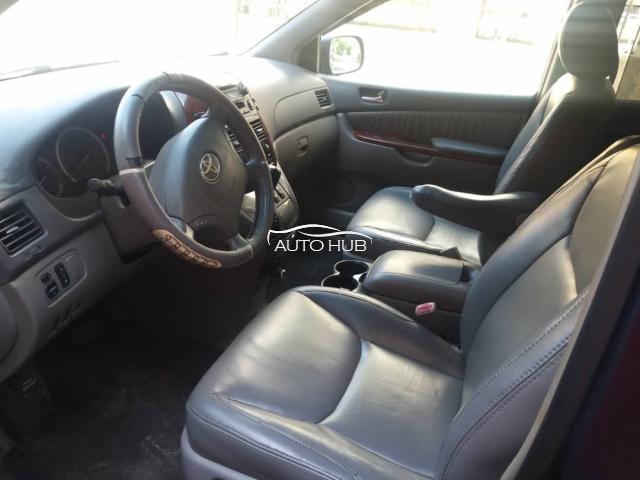 2005 Toyota Sienna XLE Blue