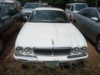 2002 Jaguar King-size White