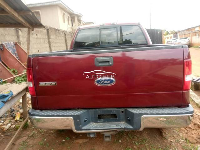 2004 Ford F-150 Red