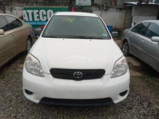 2006 Toyota Matrix White