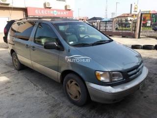2000 Toyota Sienna Grey