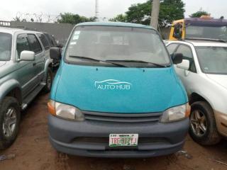 2002 Toyota Hiace Blue