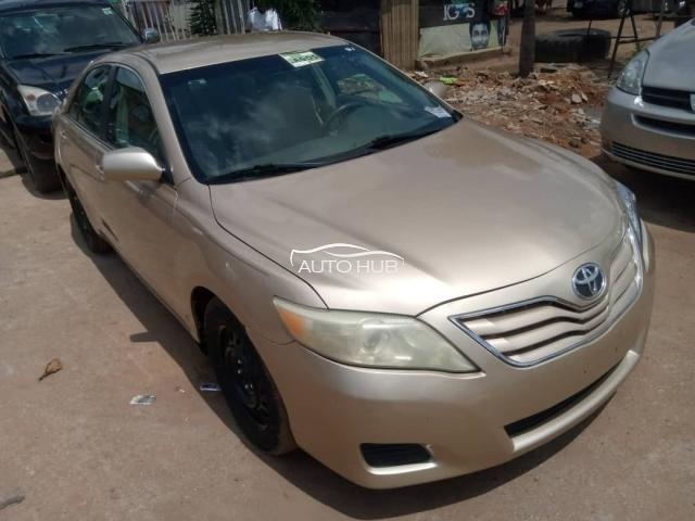 2010 Toyota Camry Gold