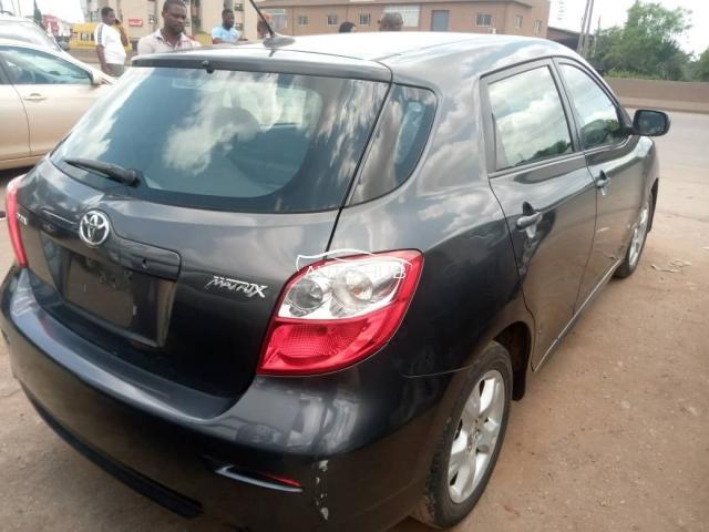 2009 Toyota Matrix Black