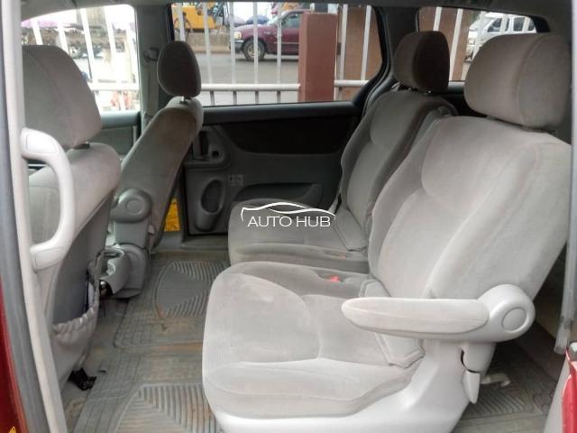 2005 Toyota Sienna Red