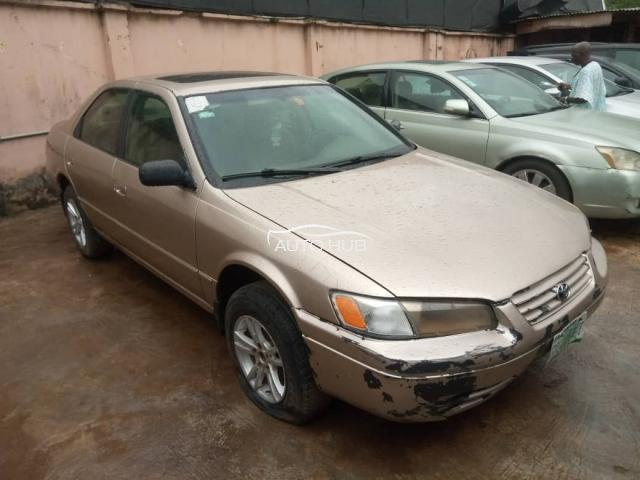 1999 Toyota Camry Gold