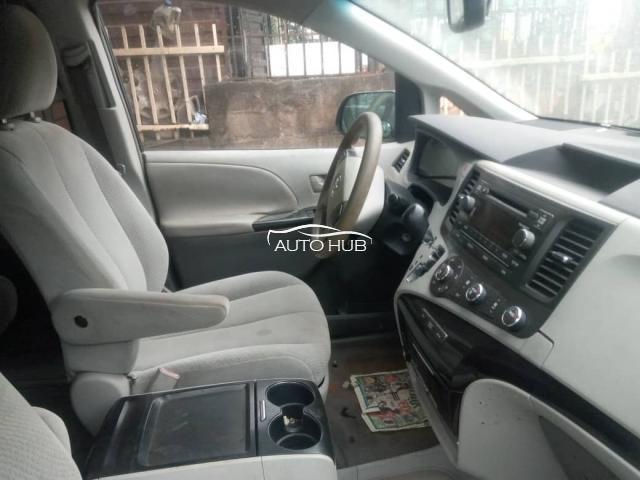 2013 Toyota Sienna Grey