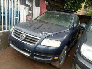 2005 Volkswagen Touarage Blue