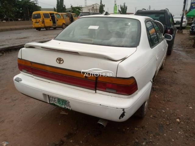 2000 Toyota Corolla White