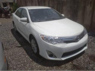 2014 Toyota Camry white