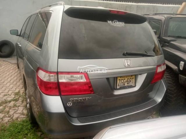 2006 Honda Odyssey Gold
