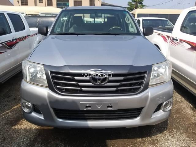 2015 Toyota Hilux Gray