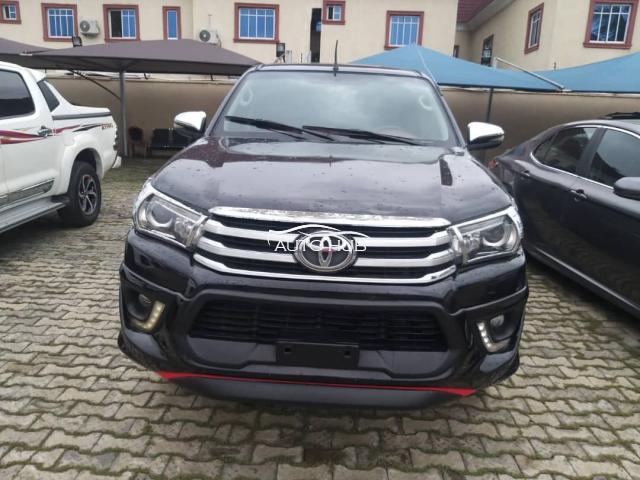 2012 Toyota Hilux Black