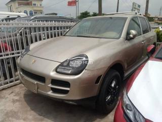 2002 Porsche Cayenne Gold